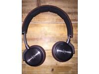 Bang & Olufsen BeoPlay H8 Wireless noise cancelling headphones in grey hazel