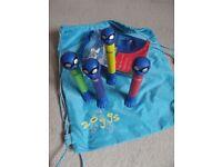 Zoggs Swimbag and diving sticks