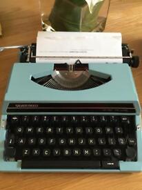 Vintage Silver Reed Typewriter