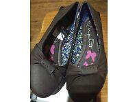 BNWT ladies brown shoes