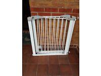 Lindam Sure-Shut Safety Gate x 2