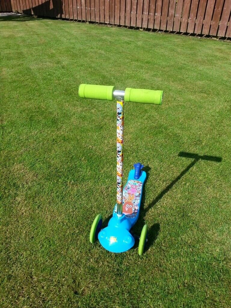 Moshi Monsters Twist And Turn Scooter