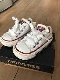 Converse infants size 3