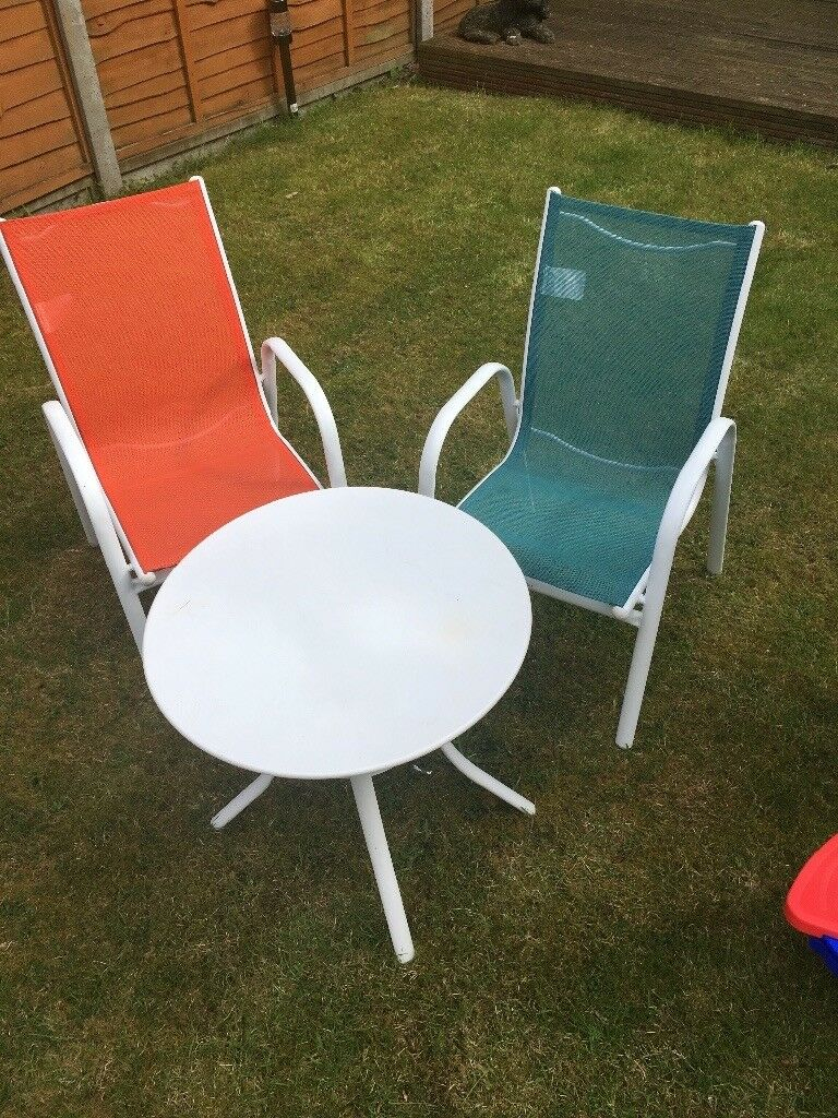 Childrens outdoor table and 2 chairs ipswich