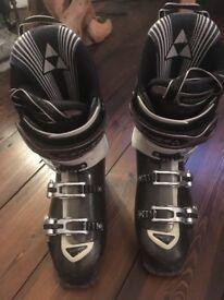 Men's ski boots 8.5