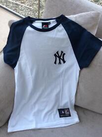 Next T shirt xs