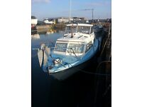 "28' Motorboat ""Fairline Fury"" 4 berth,2 outboard 130hp engines, ""fly-bridge"" £4995"