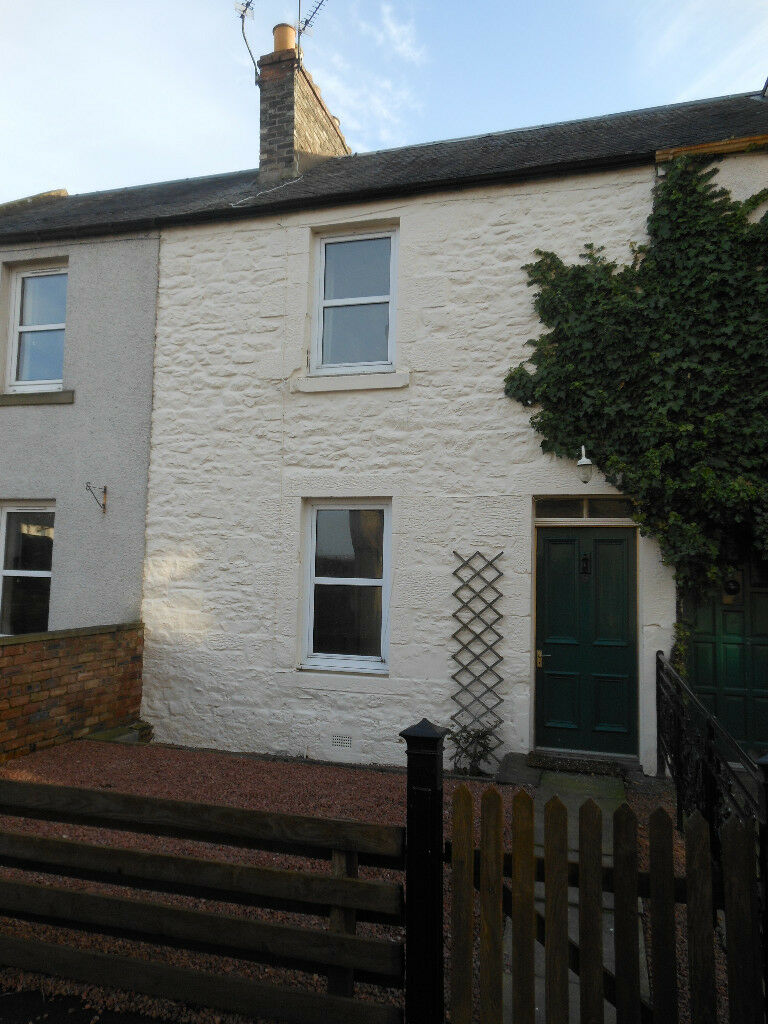 KELSO 2 bed Mid Terraced House in Kelso Scottish