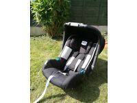 Britax Baby Safe Plus SHR II Car Seat and Isofix base