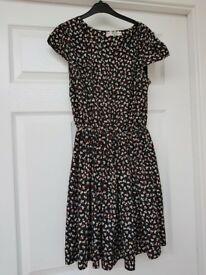 Shikha M/L (but fits like a 12!) heart pattern dress