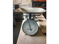 Lovely old shop weighing scales.