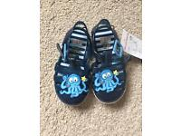 Boys jelly shoes size 5 unused with tags