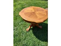 Beautiful Wooden Coffee Table - Very Good Condition