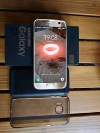 Samsung S7 96gb unlocked in excellent condition with box and accessories