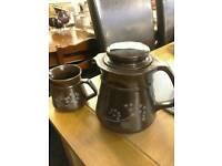 Teapot & jug misc £6