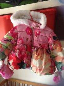 TED BAKER BEAUTIFUL QUILTED JACKET WITH GLOVES ATTACHED AND FUR HOOD AGE 9-12 MONTHS