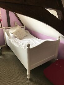 GORGEOUS PAINTED WOODEN SLEIGH BED