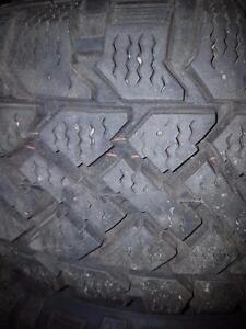 4 pneus d'hiver 195/65/15 Pacemark Snowtracker