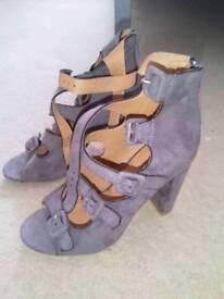 "Linzi Shoes Size 5 ""Never Worn"""