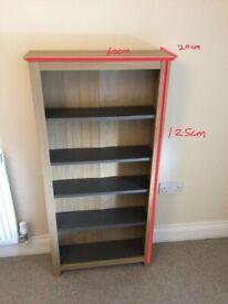 Slim shelves unit