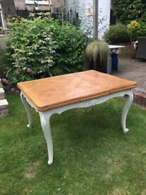 Louis XV vintage extending dining table in good condition.