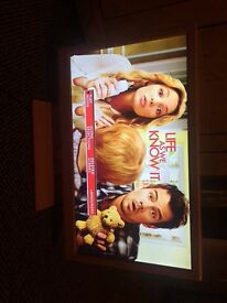 """Pink 22"""" screen Tv/DVD in excellent condition been used once, back missing of remote but works fine"""