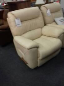 Armchair (lazyboy) cream leath