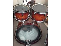 Yamaha Live Oak Custom.