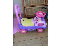 Baby push along walker £6