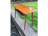 CUTE LITTLE VINTAGE RETRO MID CENTURY ATOMIC SIDE COFFEE OCCASIONAL TELEPHONE TABLE WITH SHELF