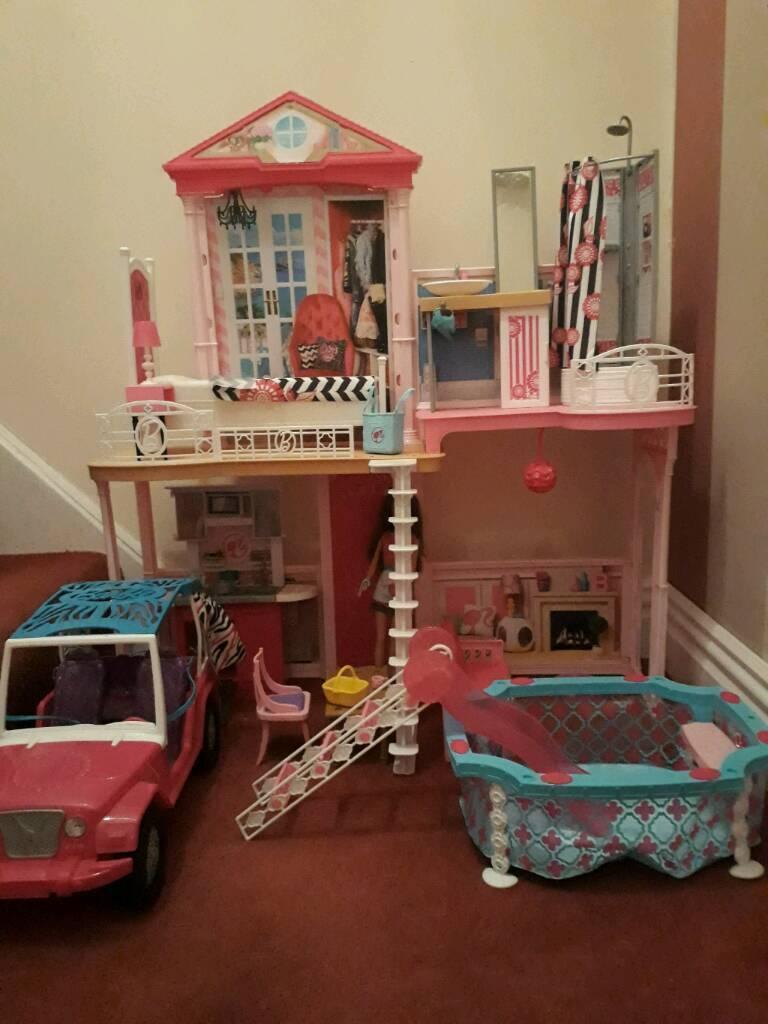 Barbie house, pool and jeep