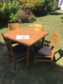 SOLID OAK VENEER EXTENDING TABLE and 4 Chairs