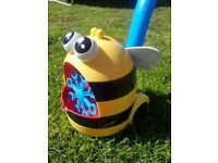 Push or Pull Along BEE Bubble Machine, garden toy