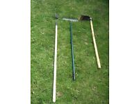 Garden tools (hoe, edge hoe, rake)