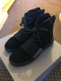 Yeezy boost 750 triple black (I JUST WANT GONE )