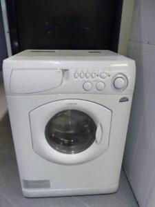 23-  Laveuse-Sécheuse frontale 2 dans 1 MINI ARISTON Frontload 2 in 1 Washer -Dryer