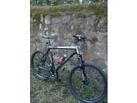 TREK 6000 SIZE LARGE, COMES WITH LOCK-OUT FORKS AND HYDRAULIC DISC BRAKES, £190