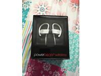 BRAND NEW Dre Powerbeats2 Wireless