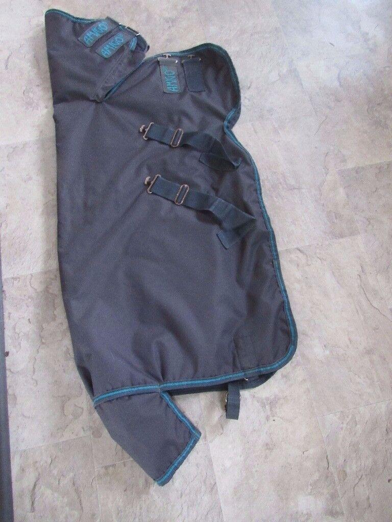 Horseware Ireland 3' 200g Amigo Medium weight turnout rug with Fixed combo neck.