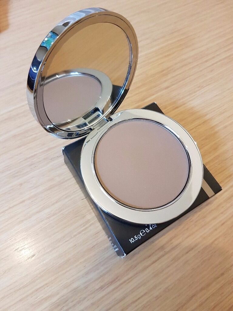 Rodial Instaglam Compact Deluxe Contouring Powder In