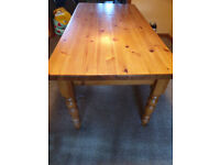 Solid pine 6 seater kitchen/dining table