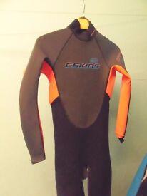 'Skins' unisex wet suit