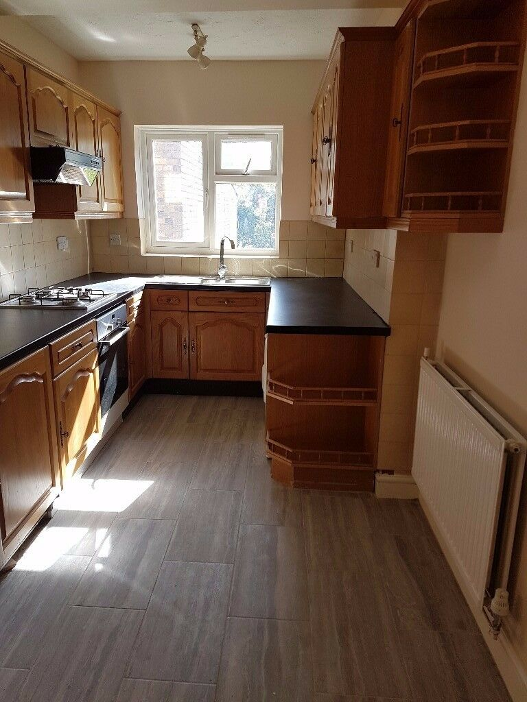 3/4 Bedroom house with 2 bathroom in Hounslow West