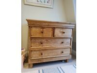 Baby changer/chest of drawers