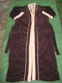 Brand New Caulfeild One Size Dressing Gown Sold by Harrods for ONLY £20.00