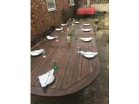 Solid wood extendable garden table