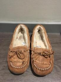 Ugg chestnut slippers women's flats size 4.5
