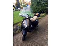 Vespa Piaggio 150LX - Black with accessories - Used, good conditions!