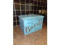 Bread box- vintage style