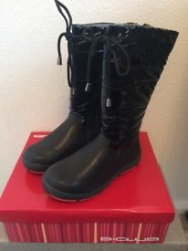 Brand New Girl's Winter Boots Size 1 Eur 33